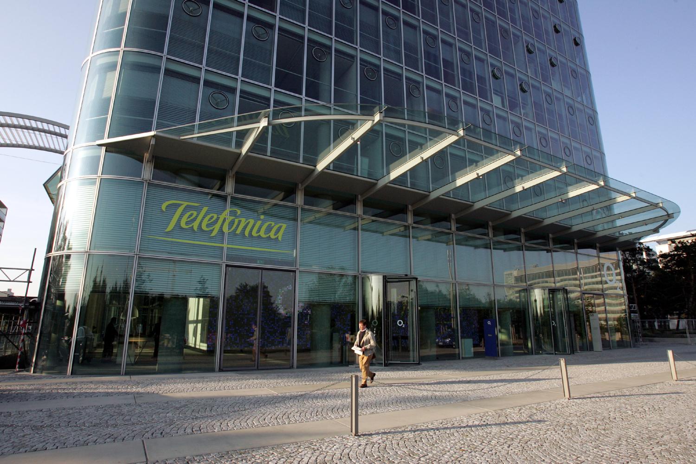 telef nica bietet schnelles an telef nica deutschland. Black Bedroom Furniture Sets. Home Design Ideas